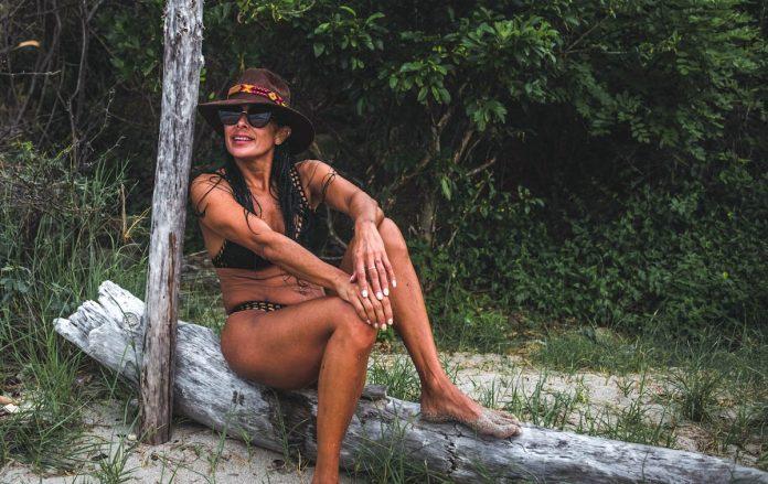 barefoot-earthing-grounding-tropics