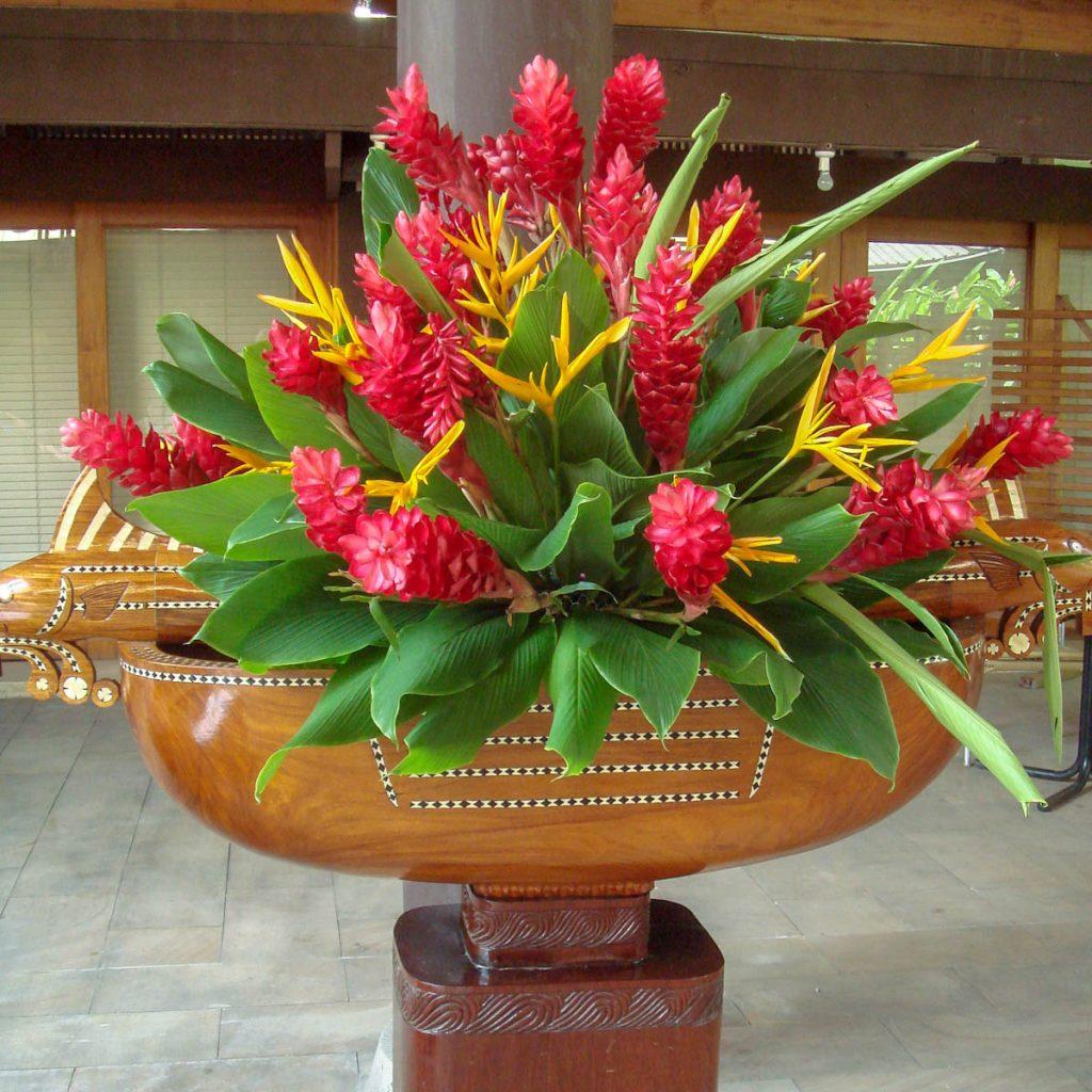 floral-display-mendana-hotel-solomon-islands