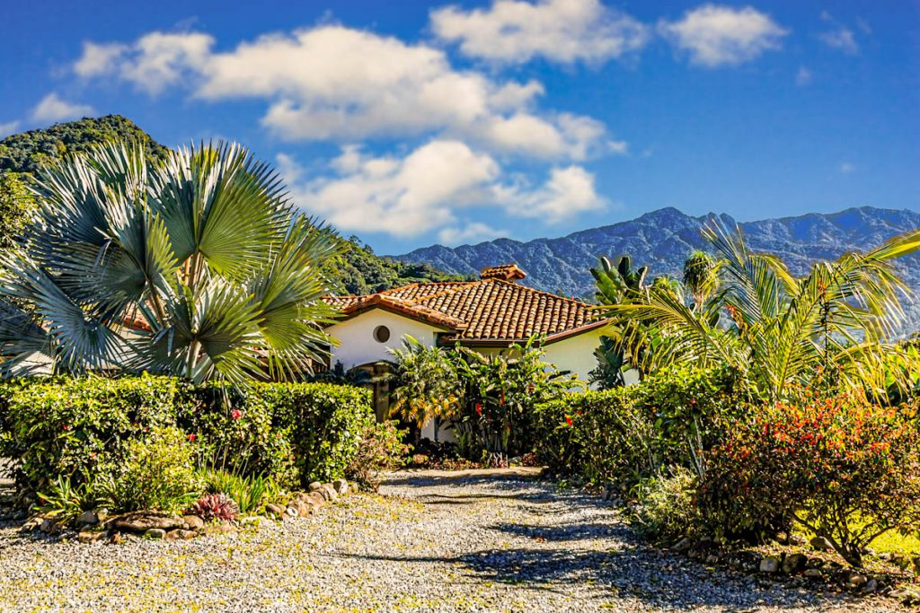 gravel-driveway-tropical-climate