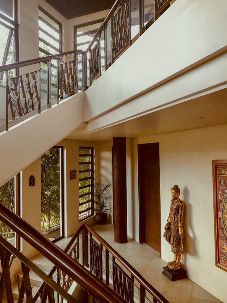 house-building-philippines-interior-stairs-finished