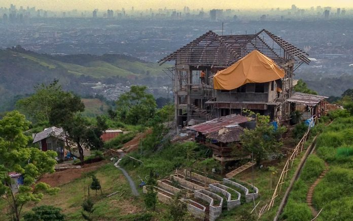 house-building-philippines-overlooking-city