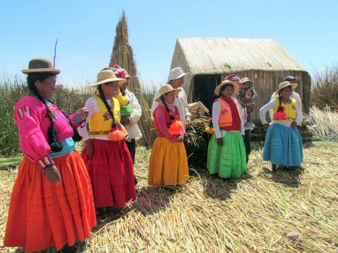 uros-islands-lake-titicaca-peru-traditional-dress