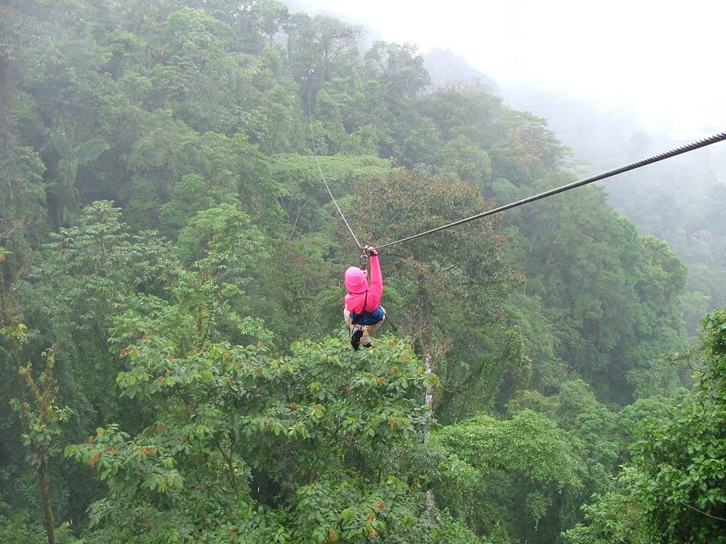 costa-rica-ziplining-monteverde-cloud-forest