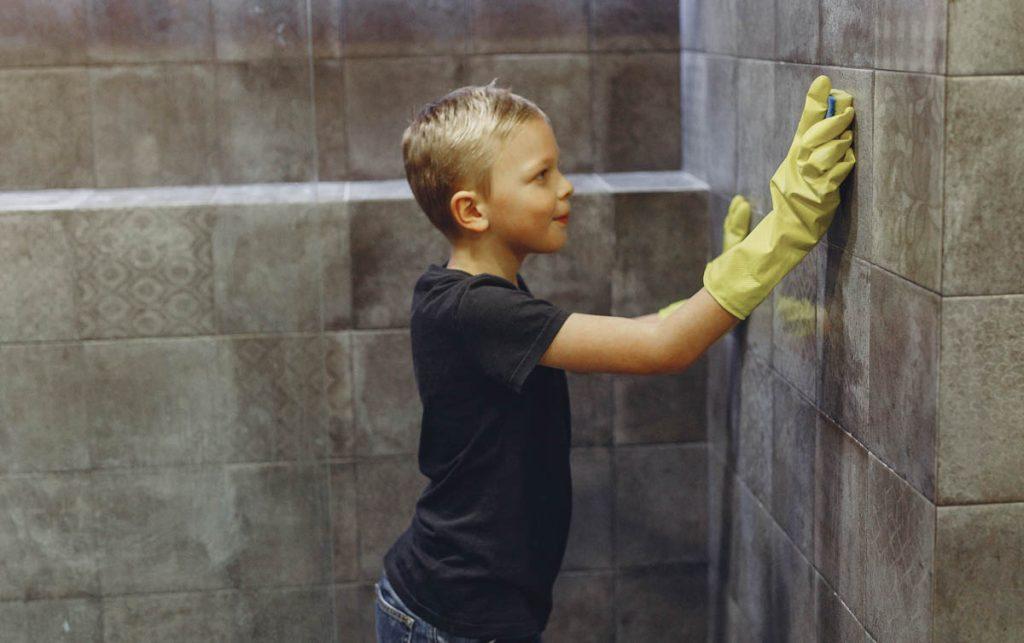 tropics-cleaning-bathroom-tiles