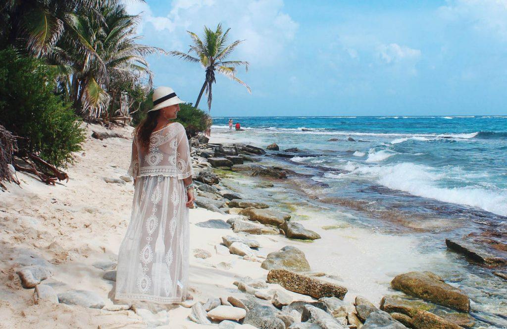 tropics-woman-cotton-dress-hat