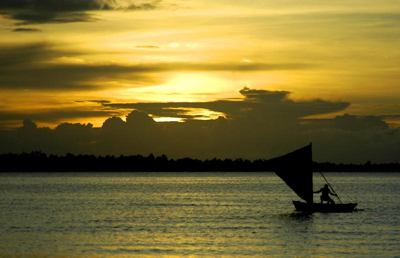kiribati-sunset-over-lagoon