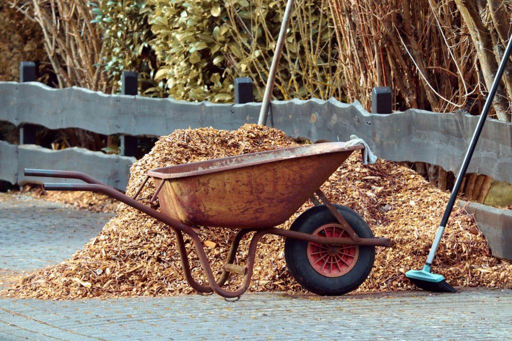 mulch-mixed-garden-prunings