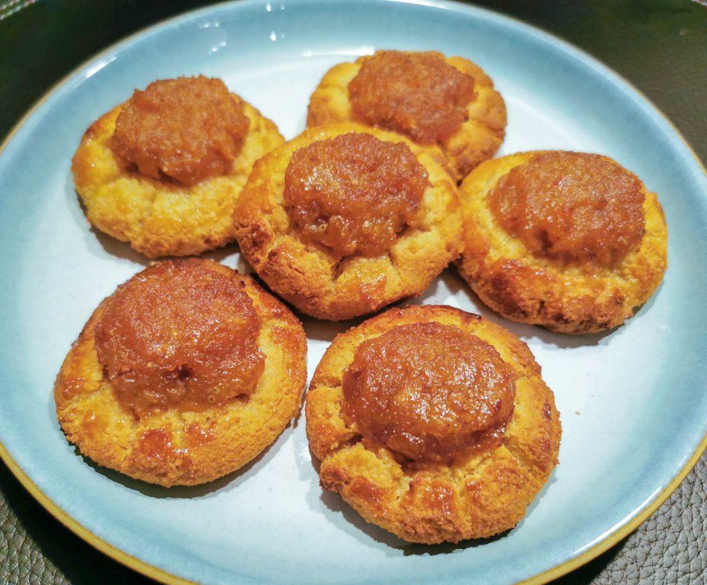 rustic-pineapple-cookies-on-plate