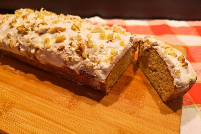 healthy-carrot-cake-loaf